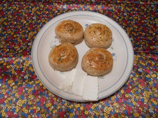 bisquets con queso y tomillo