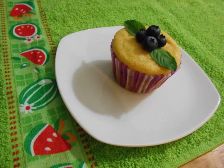 muffins cornmeal blueberrys