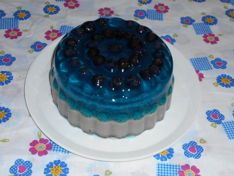 foto de geltaina de mora azul y leche