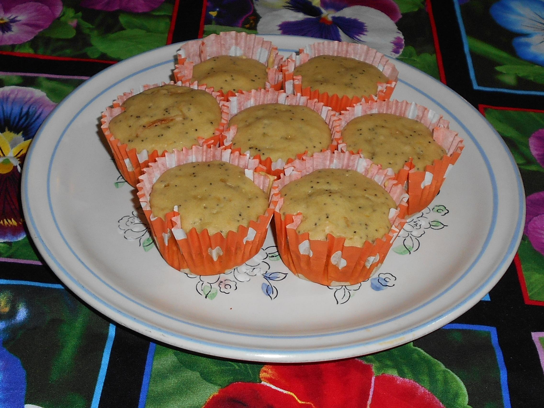 muffins de naranja con semillas de amapola foto