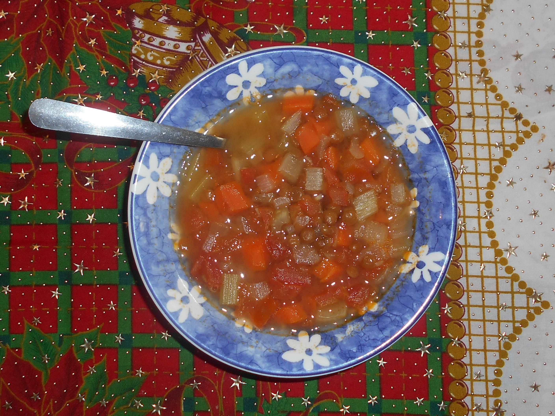sopa de lentejas foto